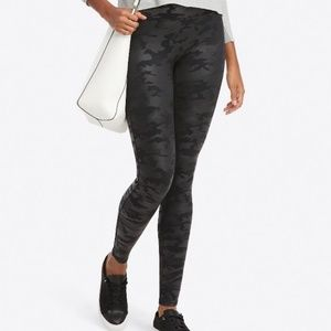 NWOT SPANX Faux Leather Black Camo Leggings M